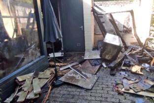 Vakantiehuisje volledig uitgebrand op Erperheide in Peer