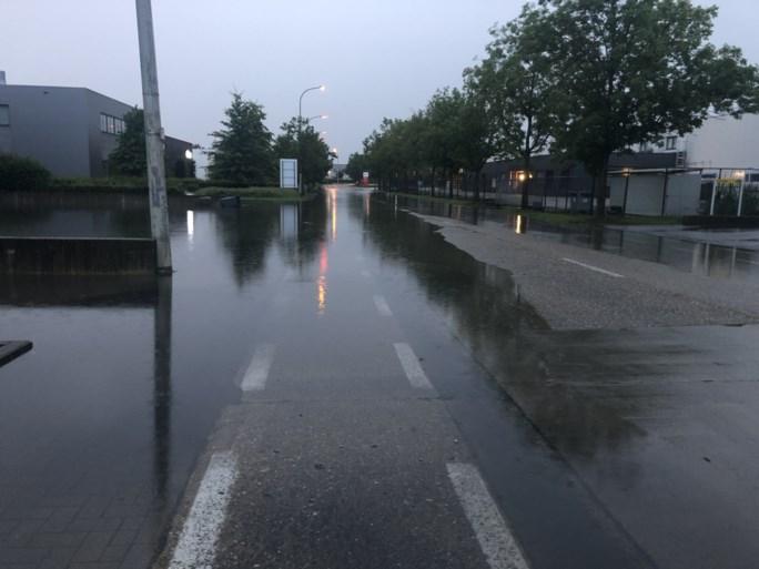 Regen zet straten blank