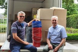 Familie Bobbejaan Schoepen schenkt vrachtwagen vol schoonmaakmateriaal aan slachtoffers watersnood