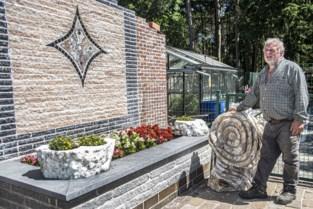 """ZOMERREEKS. Buitenkijken in tuin van Johan Vanhoof: """"Ik ben een stenenfreak en kasseienman"""""""
