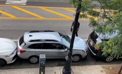 Zou jij zonder brokken uit deze krappe parkeerplaats geraken? Deze bestuurder wel