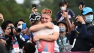 """Olympisch kampioen mountainbike Tom Pidcock draagt goud op aan Belg: """"Dit is ook de medaille van Kurt"""""""