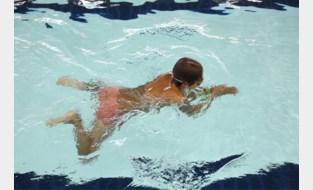 Privéleraars blijven welkom in zwembaden, ondanks oprichting eigen zwemschool