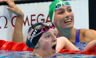 17-jarige en eerste Alaskaanse zwemster ooit op de Spelen verrast met goud op 100 meter schoolslag