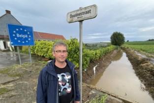 """Na twee """"uitzonderlijke"""" overstromingen wil gemeente nieuw risicogebied beter beschermen: """"Meer gras zaaien en grachten kuisen"""""""