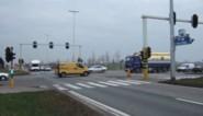 Drie lichtgewonden bij aanrijding aan verkeerslichten