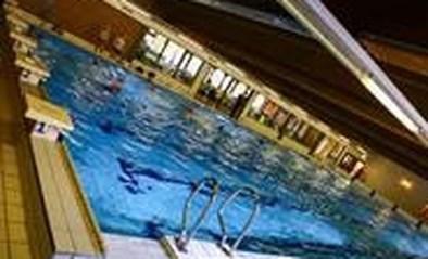 Springkasteel in zwembad De Merel