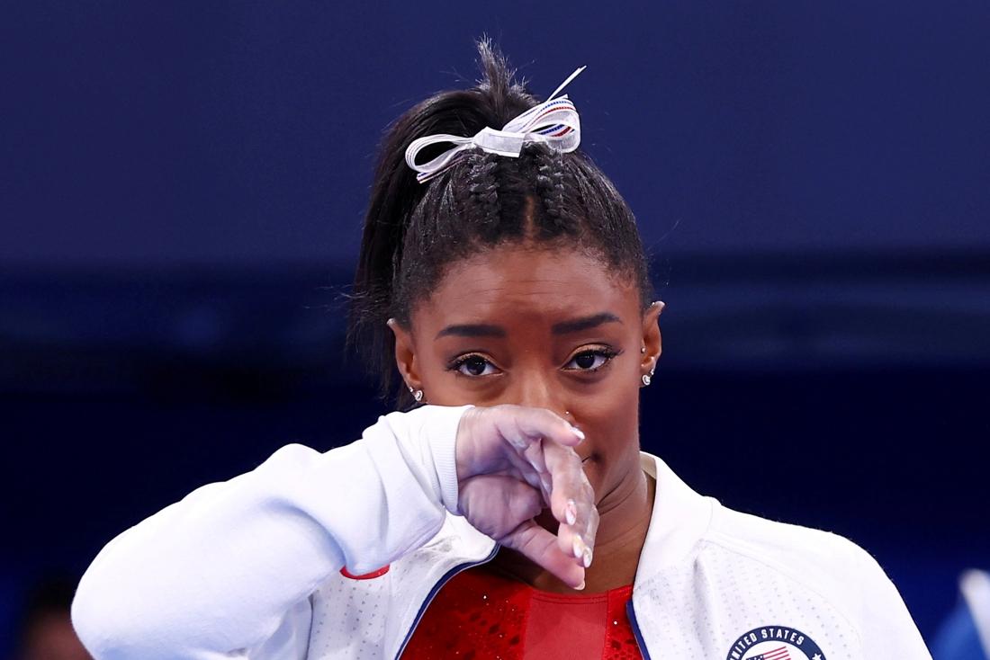 """Simone Biles deelt post die het harde leven van een gymnast toelicht: """"We zullen haar worstelingen nooit volledig begrijpen"""""""