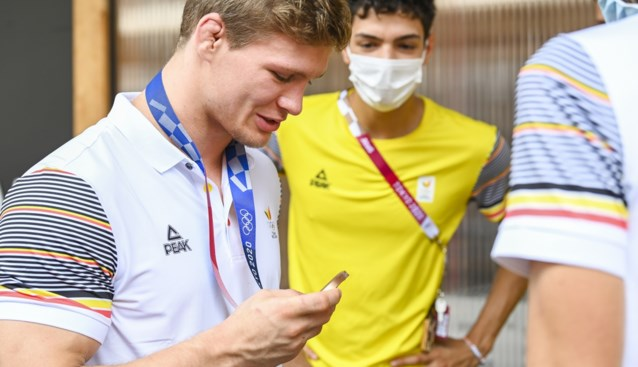 """Matthias Casse: """"Mijn medaille lag de hele nacht op het andere bed. Ik vertrouw mijn roomie"""""""