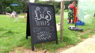 Bibliotheek van Heverlee staat deze zomer buiten op Sint-Lambertusplein: leesterras, reservaties of frisse drankjes