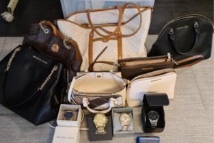 Politie neemt peperdure handtassen en merkhorloges in beslag