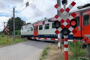 Spooroverweg Vloeiende verdwijnt en maakt plaats voor fietstunnel