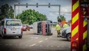 Twee lichtgewonden na botsing op kruispunt aan kanaalbrug in Beringen