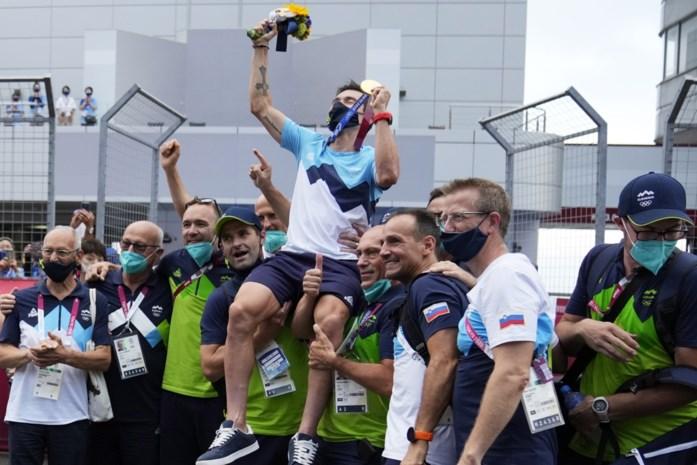 """Gouden Roglic verbaasde zelfs zijn Belgische trainer Marc Lamberts: """"In de wegrit moest Primoz nog drie keer afstappen van de pijn"""""""
