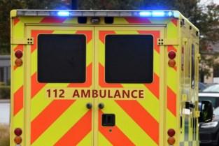 Twee gewonden bij kop-staartbotsing op R8