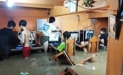 Bizar: gameverslaafden blijven verder spelen tijdens overstroming