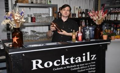 """Bjorn (31) tovert zijn garage elk weekend om tot cocktailbar: """"Mijn eigen creaties vernoem ik naar mijn rockhelden"""""""