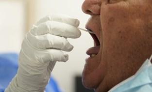 Valse thuisverzorgsters houden bejaarden dagenlang in het oog om dan toe te slaan: met 'coronatest' 100.000 euro buit gemaakt