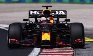 Max Verstappen snelste tijdens eerste oefensessie GP van Hongarije, stevige crash Yuki Tsunoda
