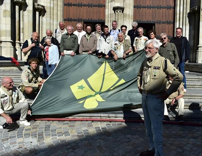 """Oud-scouts Sint-Rombouts brengen hulde aan 82-jarige Bob den danser: """"De scouts zijn bepalend geweest in mijn leven"""""""