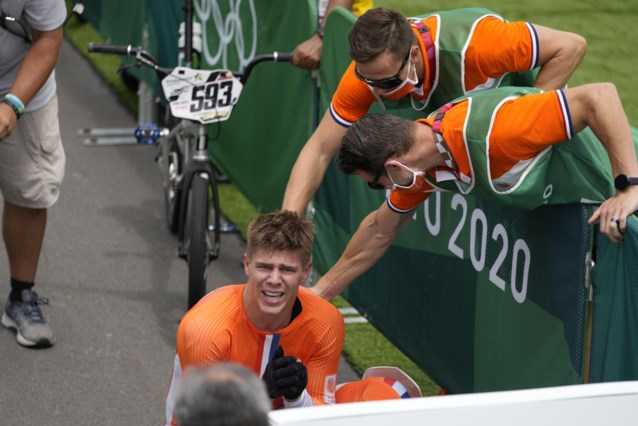 Straffe stoot van Nederlandse BMX'er: olympische titel ondanks gebroken knieschijf na botsing met official