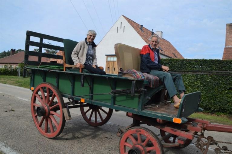 Drie dagen paardengeluk op houten wielen met ijzeren beslag