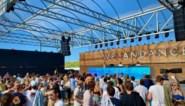 Groen scherm, en dan àlle remmen los: 2.500 feestvierders dansen op eerste dancefestival na corona