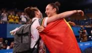 """Vader van Nina Derwael door het dolle heen na gouden medaille in Tokio: """"Ik zag aan haar gouden nagellak dat het goed zat"""""""