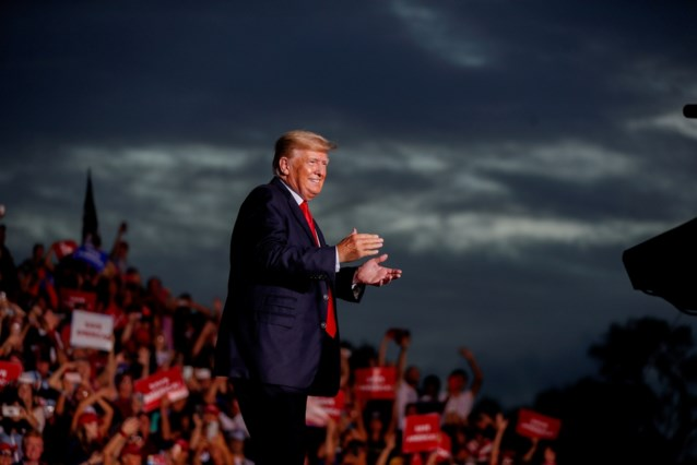 Donald Trump ontkent dat hij druk zette op minister om verkiezingen als 'corrupt' af te doen
