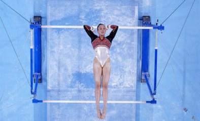 Eerst de bijna perfecte oefening, daarna de triomf met medaille: de gouden dag van Nina Derwael in beeld