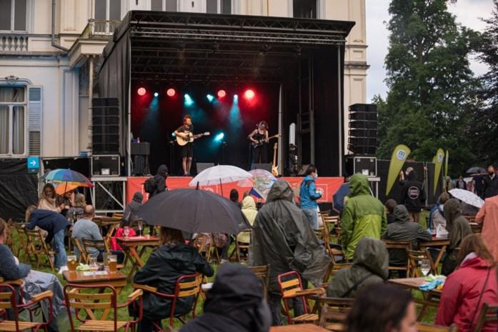 Twee concertavonden in Borluutpark: geen tafel vrij op intieme editie van Dioniss