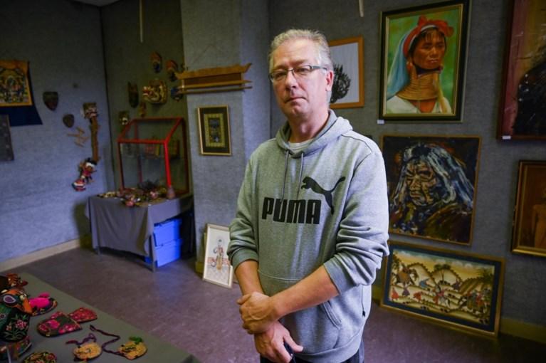Museum Etnografi menjual sebagian dari koleksinya sendiri di Kastil Ypresman