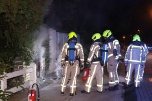 Elektriciteitskast ontploft in straat: enkele huizen tijdelijk zonder stroom