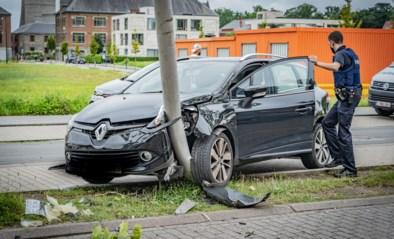 Vrouw (34) uit Beringen gewond bij ongeval in Stationstraat in Beringen