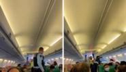 Onrust op vliegtuig in Schiphol: vrouw hardhandig weggesleept door politie, vlucht geannuleerd