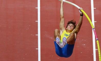 OS LIVE. Mondo Duplantis zweeft naar eerste olympische titel, Fenomenale Thompson wint na 100m nu ook 200m