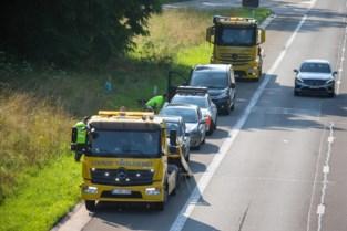 Zes voertuigen botsen op E313 in Diepenbeek