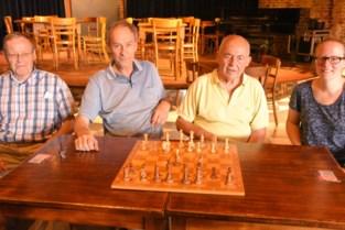 Recordaantal deelnemers voor schaaktoernooi en daar wordt zelfs trouwzaal voor ingepalmd