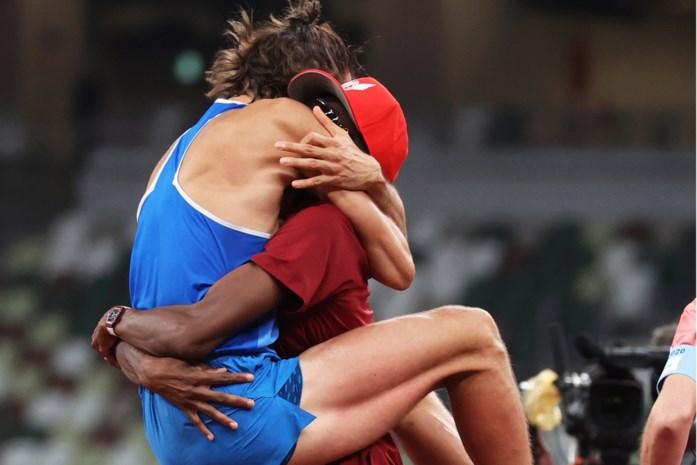 Ze deelden hun leed, nu delen ze goud: het verhaal achter hét moment van de Olympische Spelen