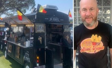 """Belgische foorkramer ruilt Zuidfoor in voor Saint-Tropez en verkoopt daar frieten als zoete broodjes: """"Ik ben hier precies een attractie"""""""