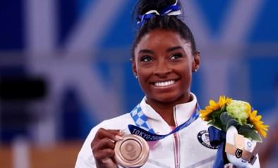 Brons met een gouden randje: Simone Biles rondt Spelen toch nog in schoonheid af