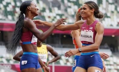 Amerikaanse Sydney McLaughlin verpulvert wereldrecord en pakt goud op 400m horden