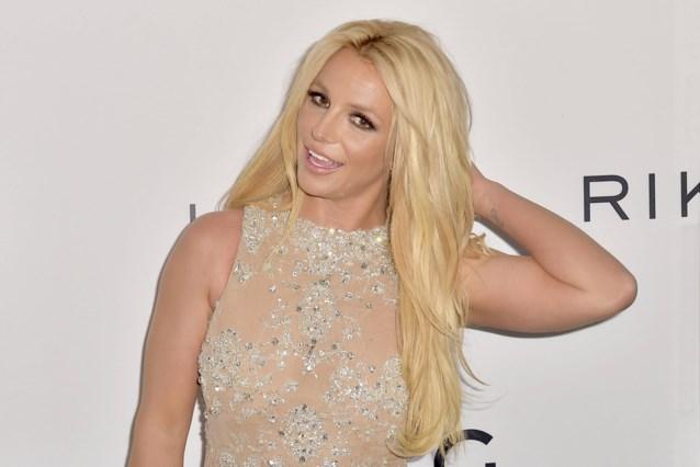 """Britney Spears deelt opnieuw topless foto op Instagram: """"Het lijkt wel alsof ze niet eens weet dat die online staan"""""""