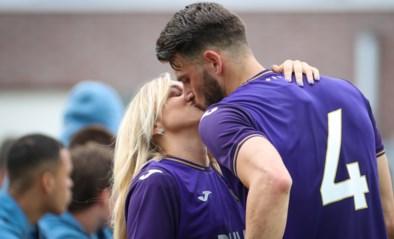 """Vrouw van Anderlecht-speler Wesley Hoedt klapt uit de biecht: """"Het is altijd feest in bed, maar hij was dat niet gewoon"""""""