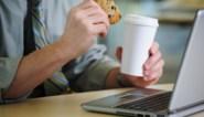 """Thuis werken heeft niet altijd voordelen, onderzoek UAntwerpen: """"Hoe vaker we online samen eten, hoe ongelukkiger"""""""