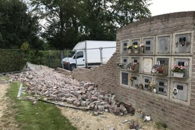 """Nissen met urnen nét niet geraakt bij ongeval met vrachtwagen aan begraafplaats: """"Ik mag er niet aan denken"""""""