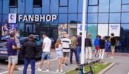 """Wachtrij aan Ghelamco Arena voor abonnement: """"Zeven euro verzendingskosten is te veel"""""""