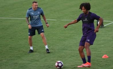 Aanwinst Joshua Zirkzee traint mee bij Anderlecht, Vlap op weg naar Twente