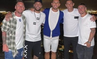 Vakantiefoto van Lionel Messi in gezelschap van Neymar en co gaat de wereld rond: trekt Argentijn naar PSG?