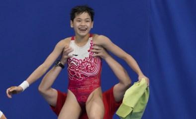 Een olympisch fenomeen is geboren: amper 14-jarige Chinese wint goud na twee perfecte sprongen